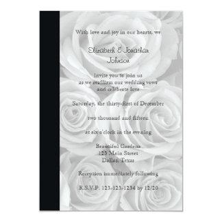 Roses magnifiques de renouvellement de voeu de carton d'invitation  12,7 cm x 17,78 cm