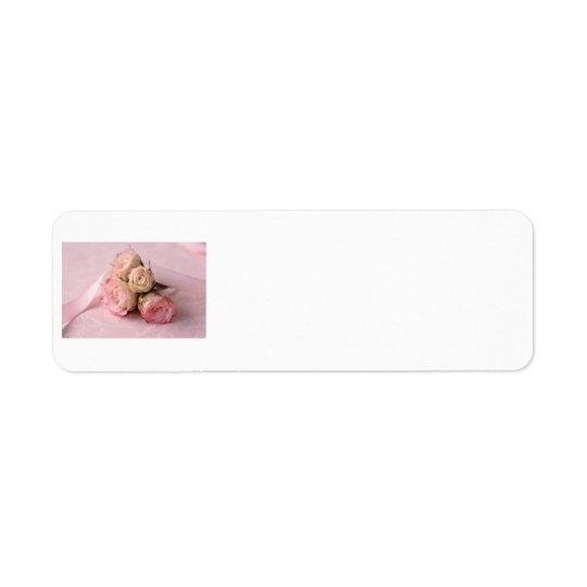 roses pâles sur l'étiquette rose de remous étiquettes d'adresse retour