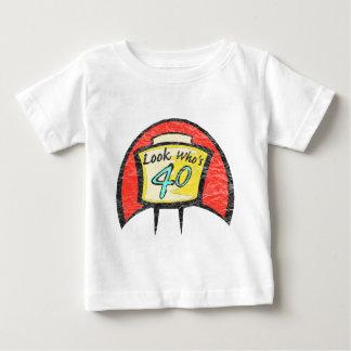 Rotation de quarante quarantième cadeaux t-shirt pour bébé