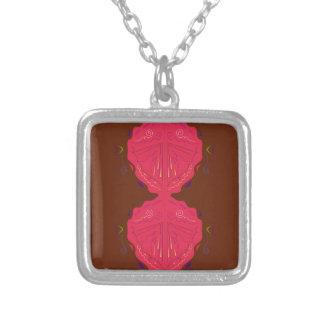 Rouge-brun arabe d'ornements de luxe collier