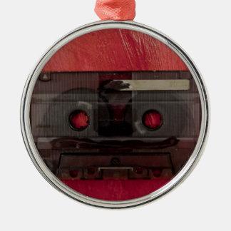 Rouge vintage de musique d'enregistreur à ornement rond argenté