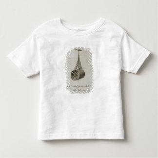 Rouleau de jardin avec le baril et les équilibres t-shirt pour les tous petits