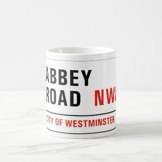 Route d'abbaye, plaque de rue de Londres Mug