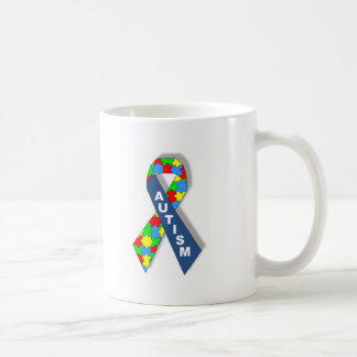 Ruban coloré de sensibilisation sur l'autisme mug blanc