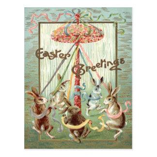 Ruban de danse de mât de lapin de Pâques Carte Postale