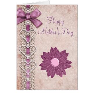 Ruban, dentelle, coeurs et jour de mère lilas de carte de vœux