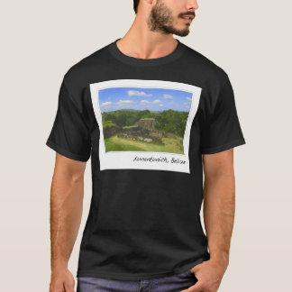 Ruine maya de Xunantunich à Belize T-shirt