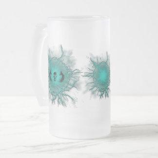 Rune électrique et tasse à ailes en verre givré de