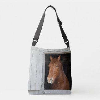 Sac Ajustable Le cheval quart de châtaigne attendant pour être a