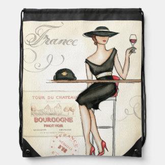 Sac Avec Cordons Femme française buvant du vin rouge