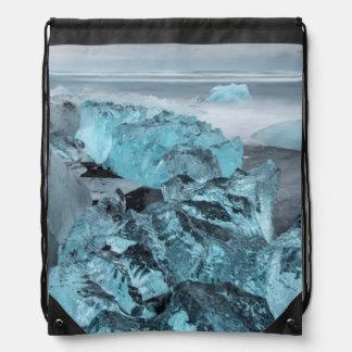 Sac Avec Cordons Glace bleue sur le paysage marin de plage, Islande