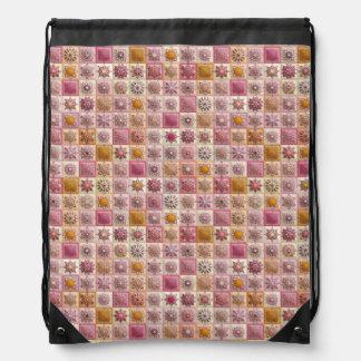 Sac Avec Cordons Patchwork vintage avec les éléments floraux de