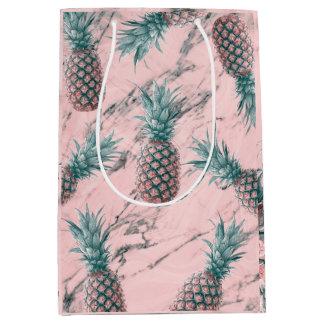 Sac Cadeau Moyen Chic tropical moderne d'ananas et de remous de