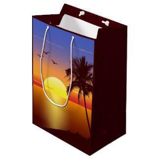 Sac Cadeau Moyen Coucher du soleil à la plage tropicale