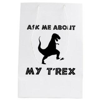 Sac Cadeau Moyen Interrogez-moi au sujet de T Rex drôle