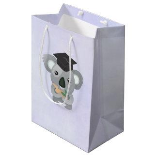 Sac Cadeau Moyen Ours de koala mignon dans un casquette noir