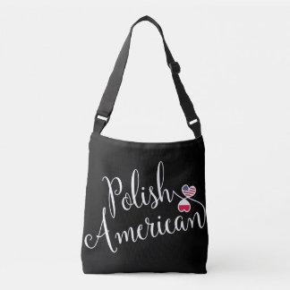 Sac de coeurs enlacé par Américain polonais