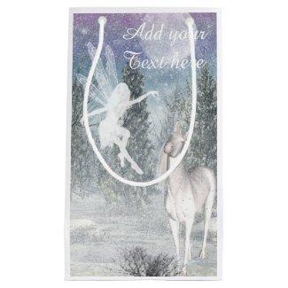 Sac féerique de cadeau de jeu d'hiver de licorne