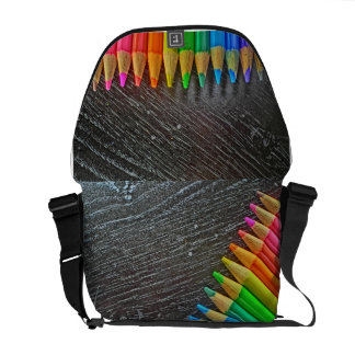 Sac messenger artistique coloré à crayon besaces