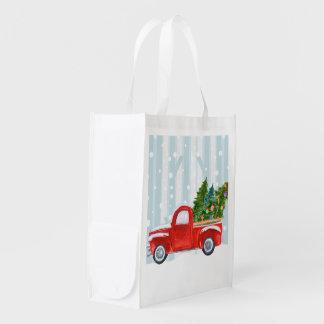 Sac Réutilisable Camion pick-up rouge de Noël sur une route de
