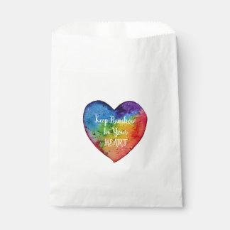 Sachets En Papier Coeur mignon d'arc-en-ciel d'aquarelle