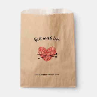 Sachets En Papier Knit avec des métiers de coeur de fil d'amour