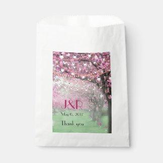 Sachets En Papier Mariage orienté de ressort de fleurs de cerisier
