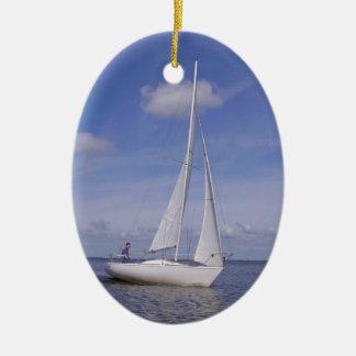 Sailing Boat - Voilier (06) Ornement Ovale En Céramique