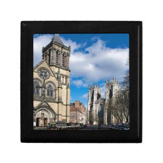 Saint Wilfrids et Minster. de York Petite Boîte À Bijoux Carrée