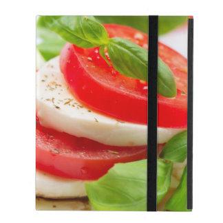 Salade de Caprese. Tranches de tomate et de Étui iPad