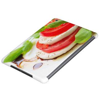 Salade de Caprese. Tranches de tomate et de mozzar