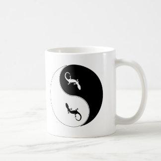Salamandre de Yin Yang Mug Blanc