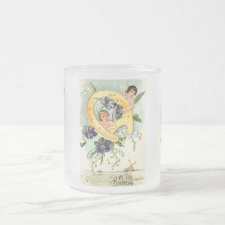 Salutations vintages de joyeux anniversaire mug en verre givré