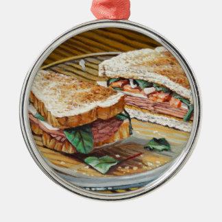 Sandwich à jambon, à salami et à fromage ornement rond argenté