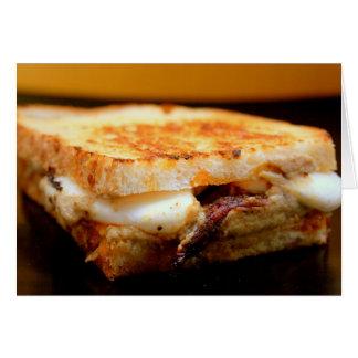 Sandwich grillé à mozzarella avec l'aubergine cartes de vœux