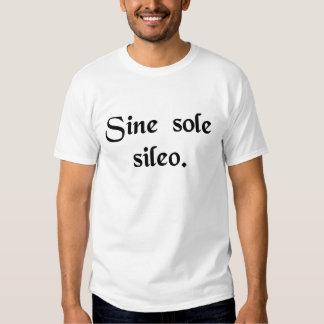 Sans soleil je suis silencieux t-shirts