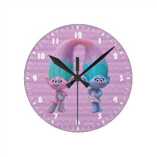 Satin et Chenille des trolls   Horloge Ronde