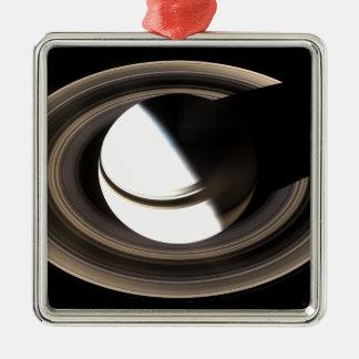 Saturn 2 ornement carré argenté