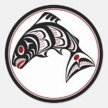 Saumon du nord-ouest d'art de Haida de Côte Adhésifs Ronds