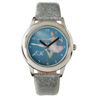 Saut de la ballerine sur le bleu, monogramme montres