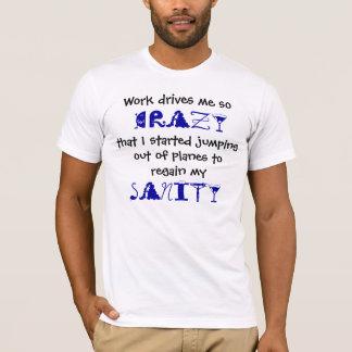 Sauter de la pièce en t d'avions t-shirt