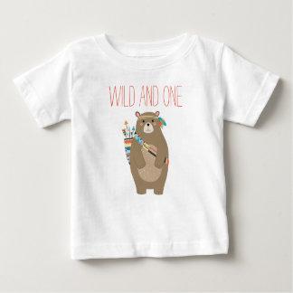 Sauvage et un T-shirt