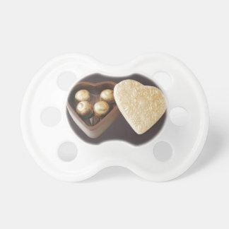 Sauvez les coeurs de chocolat de date sucettes pour bébé