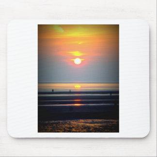 Scène de plage de coucher du soleil Crosby Liver Tapis De Souris