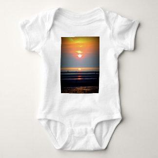 Scène de plage de coucher du soleil, Crosby, T-shirt