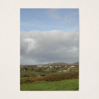 Scène irlandaise colorée de village cartes de visite