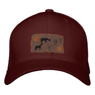 Scène primitive de chasse d'arc chapeaux brodés