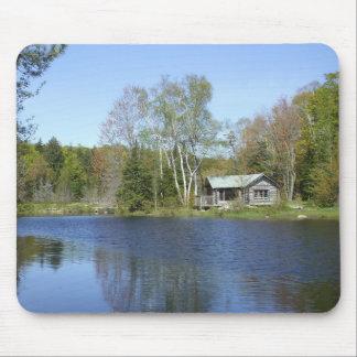 Scène rustique de l'eau de cabine tapis de souris