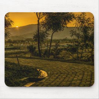 Scène tropicale de coucher du soleil de paysage tapis de souris
