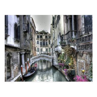 Scène urbaine en carte postale de Venise